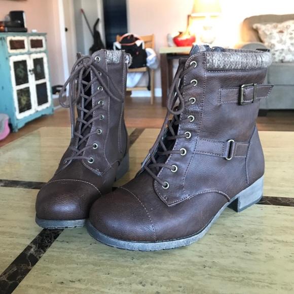 Jellypop Shoes Sweater Knit Top Combat Boots Dark Brown Sz 95